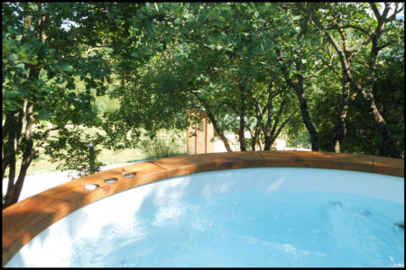 hot tub1 450x300 Collina Relax