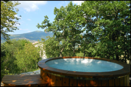 hot tub2 450x300 Collina Relax